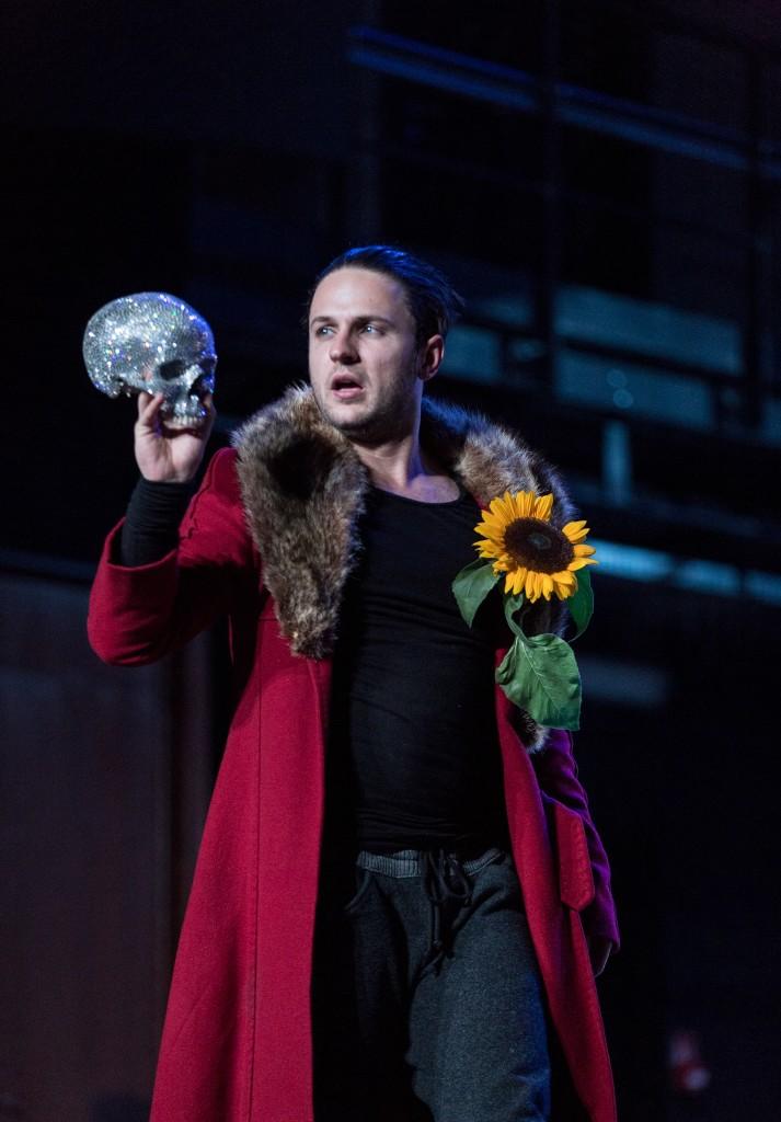 Hamlet with Yorik's skull