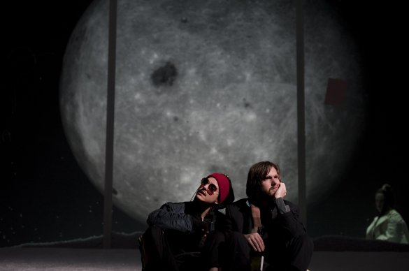 Hannah Hoekstra as Ganymede, Reinout Scholten van Aschat as Orlando. Photo by Kurt Van der Elst.