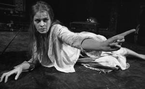 the oppression of ophelia in william shakespeares hamlet