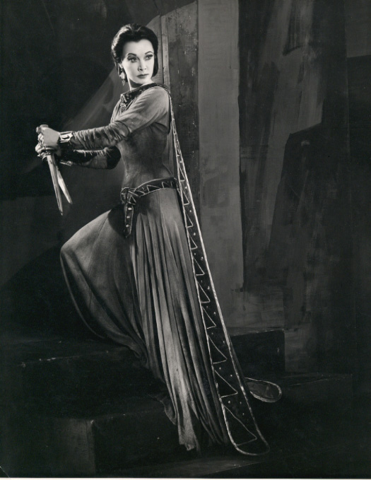 lady macbeth the frightening female character in the play macbeth by william shakespeare Lady macbeth is one of william shakespeare's most famous and frightening female characters as she is macbeth's wife, her role is significant in his rise and fall from royalty.