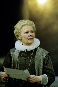Dame Judi Dench as the Countess reading a sonnet-letter.